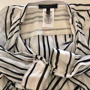 BCBG maxazria back and white blouse